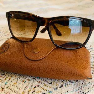 Ray-Ban Sunglasses RB4181